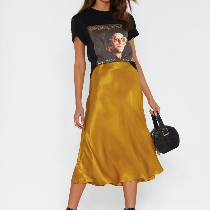 https://www.nastygal.com/sleek-havoc-bias-cut-satin-skirt/AGG74619.html
